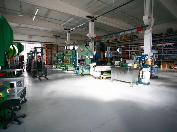 Lavorazione-acciaio-inox-Aisi-400-Maranello